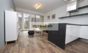 2-izbový byt v novostavbe - komplex pri Mýte, zariadený, s parkingom