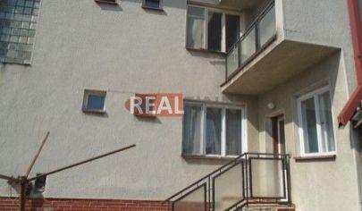 REALFINN  HURBANOVO  - Rodinný dom na predaj