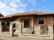 REALITY COMFORT -  Luxusná vila s bazénom vo výbornej lokalite v Prievidzi