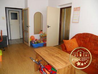 Znížená cena ! Predaj 3-izb.bytu s loggiou, pivnicou v širšom centre Bánoviec n/B.