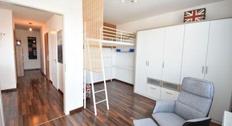 3 - izbový kompletne zariadený skolaudovaný byt 65 m2 s výťahom - Rajka