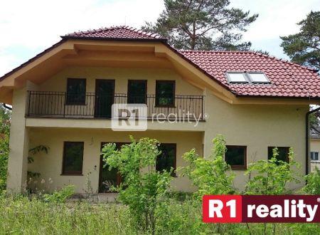 Rodinný dom,  6 izbový  v obci Banka pri Piešťanoch