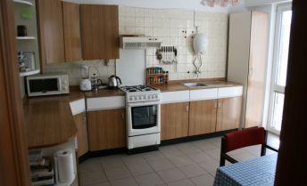 Ponukame  na predaj  velky 4.izbovy rodinny dom v Alzbetimom Dvore  na Hlavnej.ul.