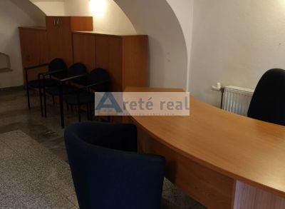 Areté real, Prenájom zariadeného 42,5 m2 administratívneho priestoru v priamom centre mesta Pezinok