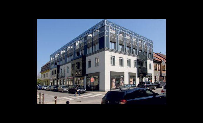 PRENÁJOM - priestranný 2 izbový byt v centre mesta