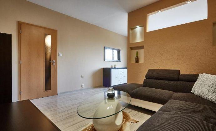 Na predaj veľmi pený 1,5 izb . byt v Dúbravke