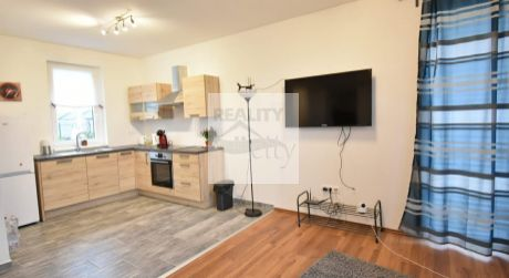 3 - izbový samostatne stojaci rodinný dom 61,35 m2, pozemok 329 m2