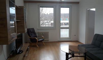 PRENÁJOM - Zariadený 3 izbový byt s loggiou, ul. Púpavová - Karlova Ves