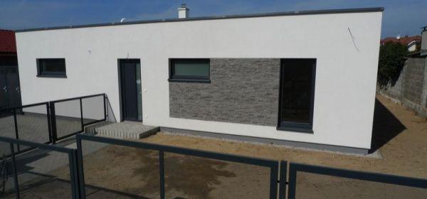 krásny, nový slnečný dom vo Veľkých Levároch