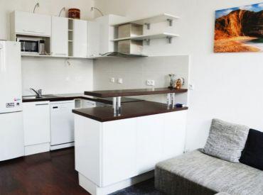 Na prenájom veľmi pekný 1,5 izbový byt, Jelenia ul. Staré Mesto, VOĽNÝ IHNEĎ