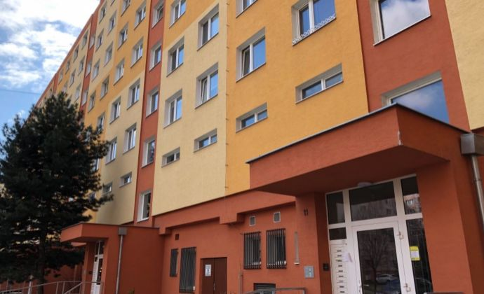 Na predaj krásny ,kompletne prerobený 3 izbový byt v Prievidzi