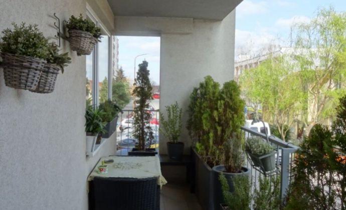 3 - izbový byt /130m2/ s dvoma balkónmi, pivnicou v centre Senca