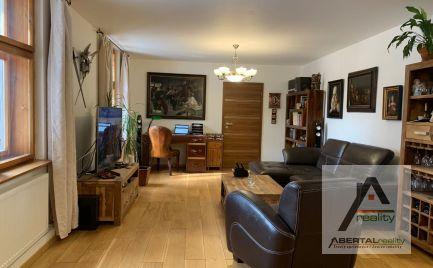 Prenájom veľký atraktívny 3-izbový byt  v Starom Meste v BA