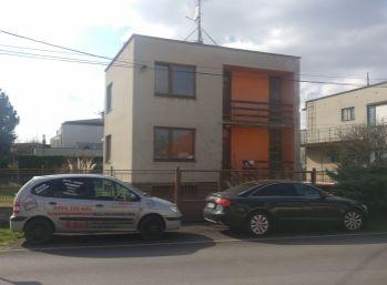 !!! Znížená cena !!! Rodinný dom s veľkým pozemkom Sereď 8. mája