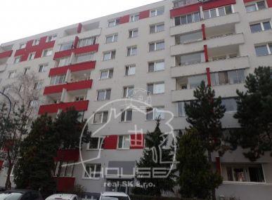 REZERVOVANÉ - PREDAJ: 3 izbový byt v Petržalke