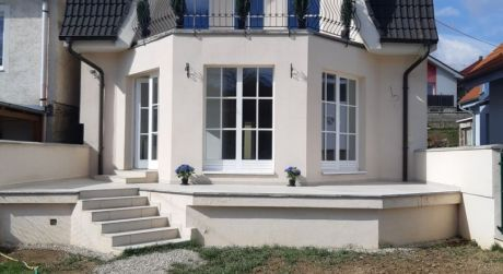 Kuchárek- real:  4 izbový rodinný dom v  obci Šenkvice.