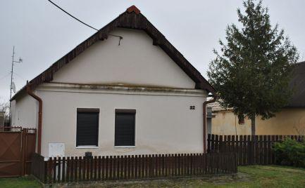 Ponúkame na predaj dom v tichej lokalite v obci Palárikovo