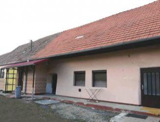 Zvolenská Slatina, rodinný dom, hosp. budova, záhrada – 1931 m2