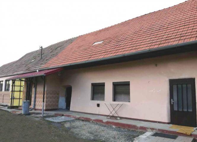 Rodinný dom - Zvolenská Slatina - Fotografia 1