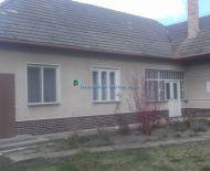 Ponúkame na predaj 5 izbový rodinný dom s veľkým pozemkom v obci Velké Dvorníky