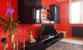 2i byt v tichej časti Petržalky - Bradáčova ulica