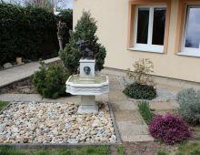NA PREDAJ: dvojgenerečný rodinný dom ( 208 m2), pozemok  668 m2, krb, podlahové kúrenie, obec Záhorská Bystrica. Dva samostatné vstupy. DOHODA.