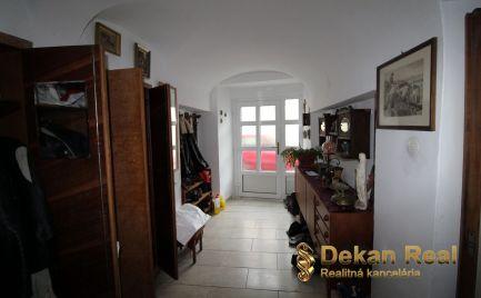 Prenájom 5-izbového bytu Hainburg an der Donau, Rakúsko