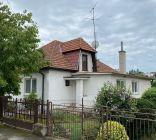 Rodinný dom  Krnča  s potôčikom