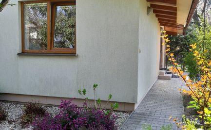 PRENÁJOM 2 izbový rodinný dom s veľkou záhradou a garážou Bratislava Ružinov EXPIS REAL