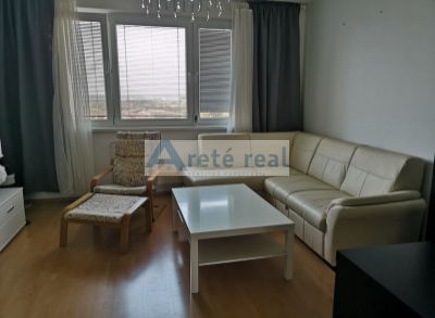 Areté real, Prenájom 2-izbového, zariadeného bytu s loggiou v dobrej lokalite v Pezinku