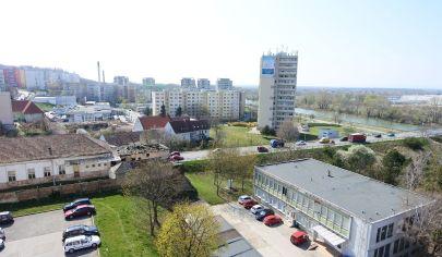 Exkluzívne APEX reality bezbariérový 2i. byt s balkónom na Hlohovej ul., 56 m2, 2x komora