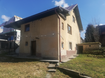 Rodinný dom s pozemkom 1048 m2, Divina