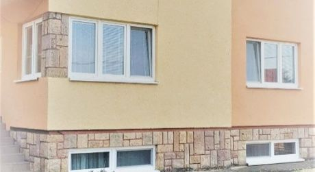 Predaj- pekný dvojgeneračný RD,Penzión v obci Úľany nad Žitavou..Len 9-km od Podhájskej!