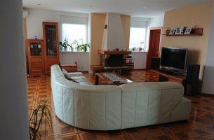 Slnečný veľkometrážny 4 izbový byt, 164m2, Matejková ulica, Karlove Ves- Bratislava IV., 1400,-€ vrátane energii, TV a internetu