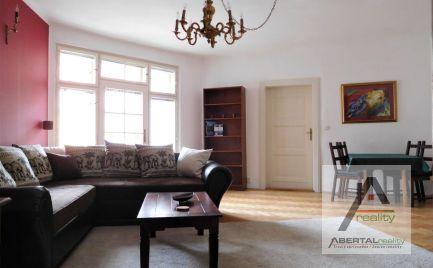 Prenájom veľký 3-izbový byt s loggiou v Starom Meste v BA