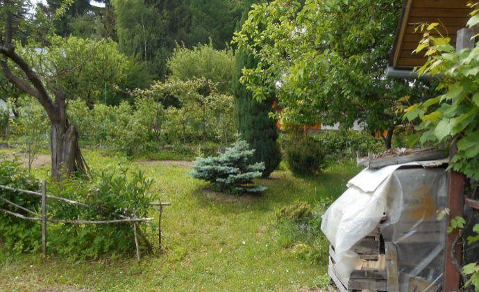 Záhradná chatka + pozemok  Vrútky