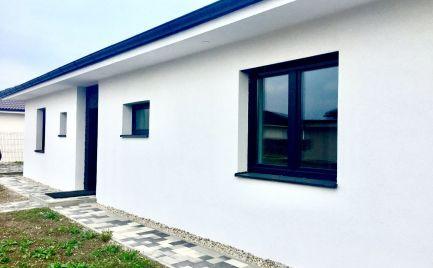 Novostavba 4 izbového bungalovu vo vysokom štandarde v obci Hviezdoslavov za super cenu 161.400,-!!!
