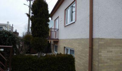 Solčany, 4 izb. rodinný dom v pokojnej, tichej ulici, pozemok 1109 m2, okr. Topoľčany