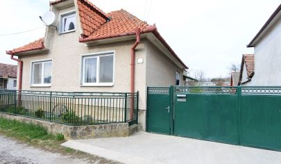 Exkluzívne APEX reality 3i. rodinný dom v Orešanoch, pozemok 768 m2 - možnosť rozdeliť