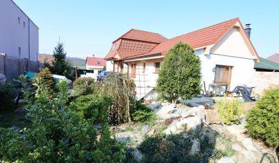 APEX reality - 5i. vidiecky rodinný dom v Dvorníkoch po rekonštrukcii, poz. 1333 m2