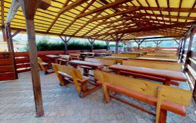 EXKLUZÍVNE IBA U NÁS !!! Ponúkame Vám na predaj pohostinstvo v centre obce Košeca.