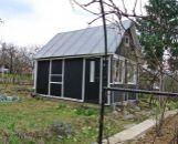 Chatka so záhradkou s ovocnými stromami v Prievidzi