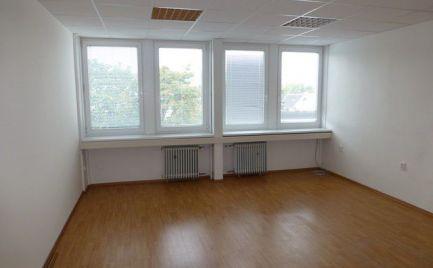 Na prenájom kancelárske priestory pri Poluse s výmerami už od 14,10 m2.