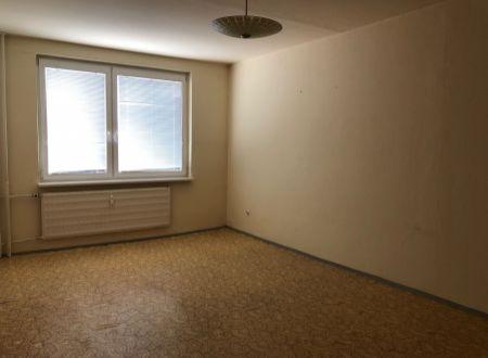 2 izbový byt s balkónom Topoľčany Juh