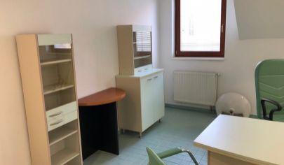 Priestor na prenájom vhodný pre ambulancie, resp. kliniku/polikliniku, Hlavná ul. Šamorín