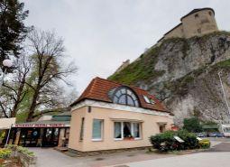 EXKLUZÍVNE ponúkame na predaj reštauráciu Markus v centre Trenčína, Štefánikova ulica.