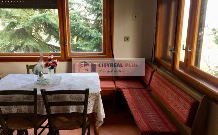 Predám väčšiu chatu v Kováčove s výhľadom na Dunaj
