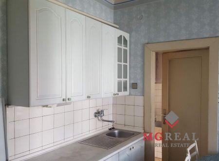 2,5 izbový byt Topoľčany / centrum
