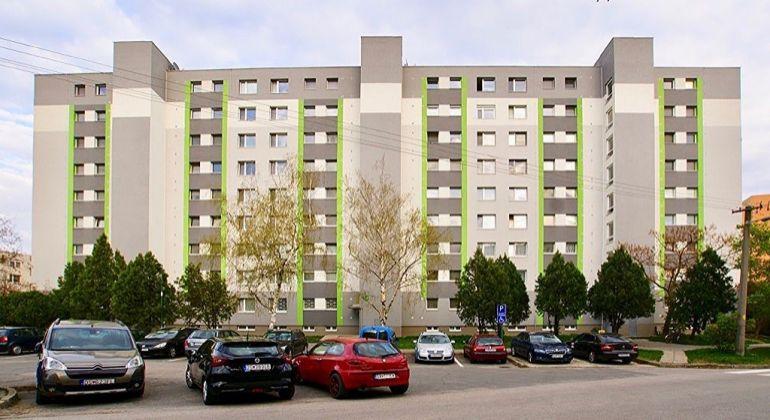 Čiastočne zrekonštruovaný 3 izbový byt blízko centra v Šamoríne