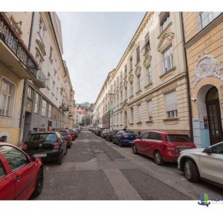 StarBrokers – PREDAJ: 2-izb. byt 42,15 m2 v historickom centre Gunduličova ul. Bratislava Staré Mesto